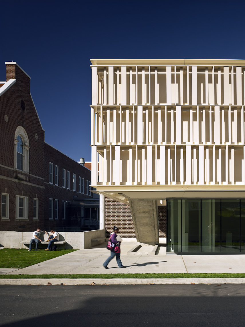 McGee Arts Pavilion at the New York State College of Ceramics at Alfred University by Ikon.5
