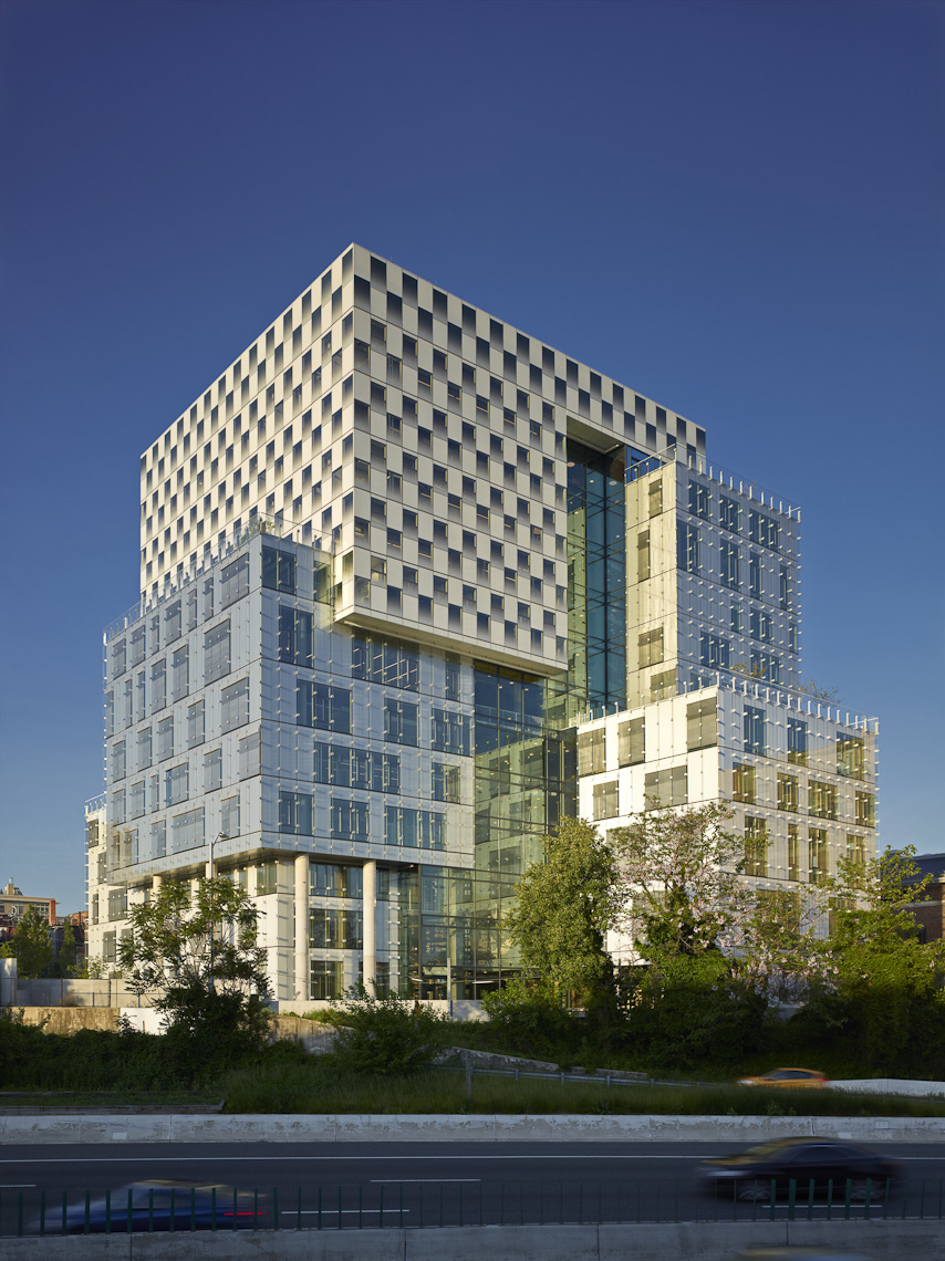 The John & Frances Angelos Law Center at the University of Baltimore | Behnisch Architekten & Ayers/Saint/Gross