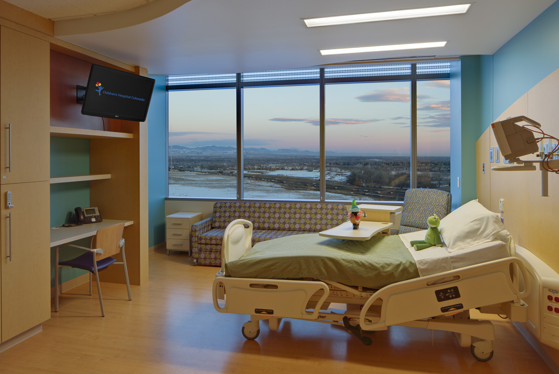 Children's Hospital Colorado South Campus by FKP Architects