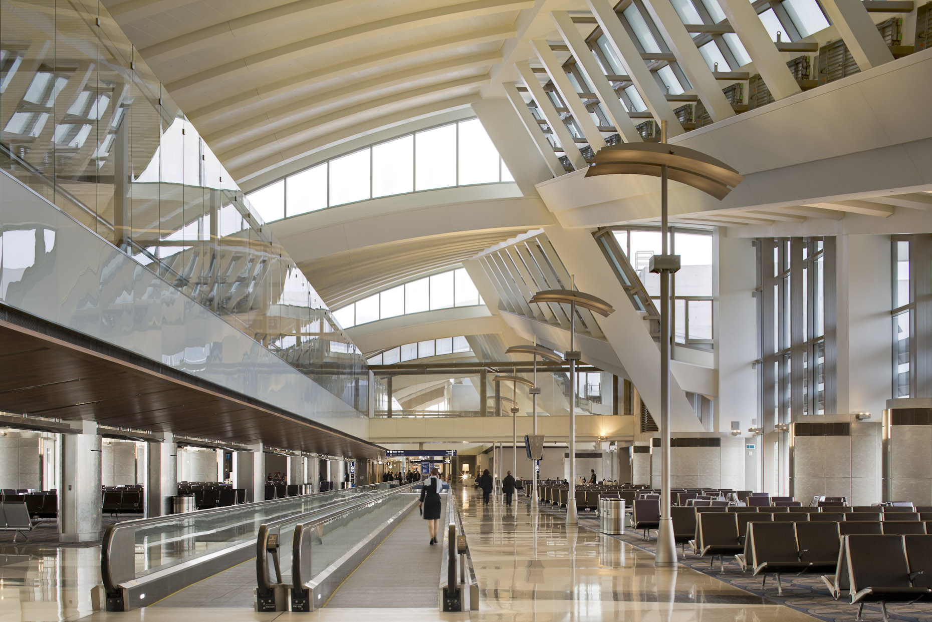 Tom Bradley International Terminal at LAX by HNTB