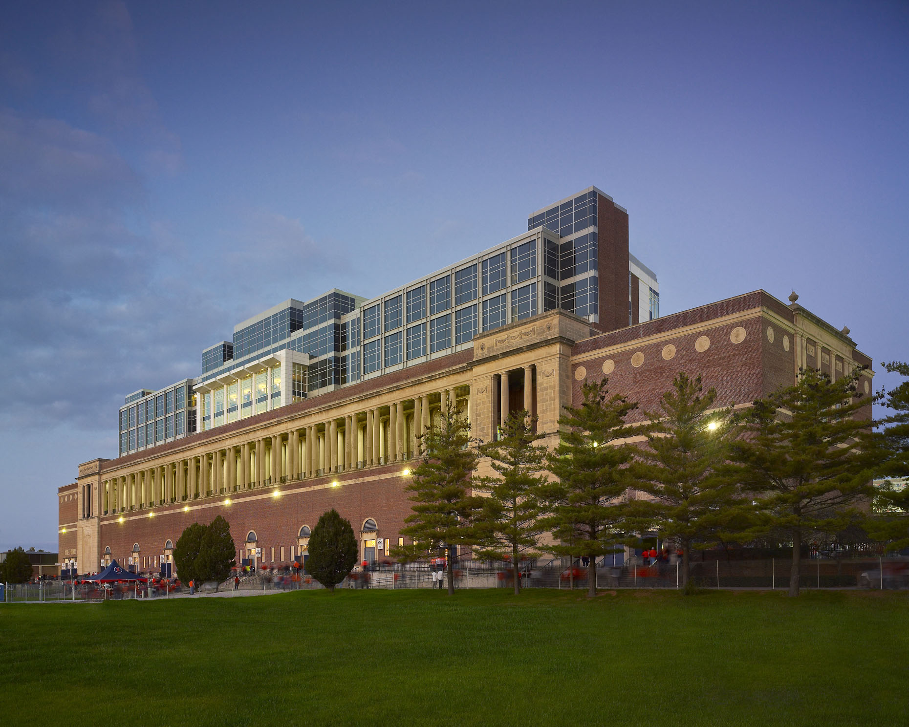 Memorial Stadium at the University of Illinois | HNTB