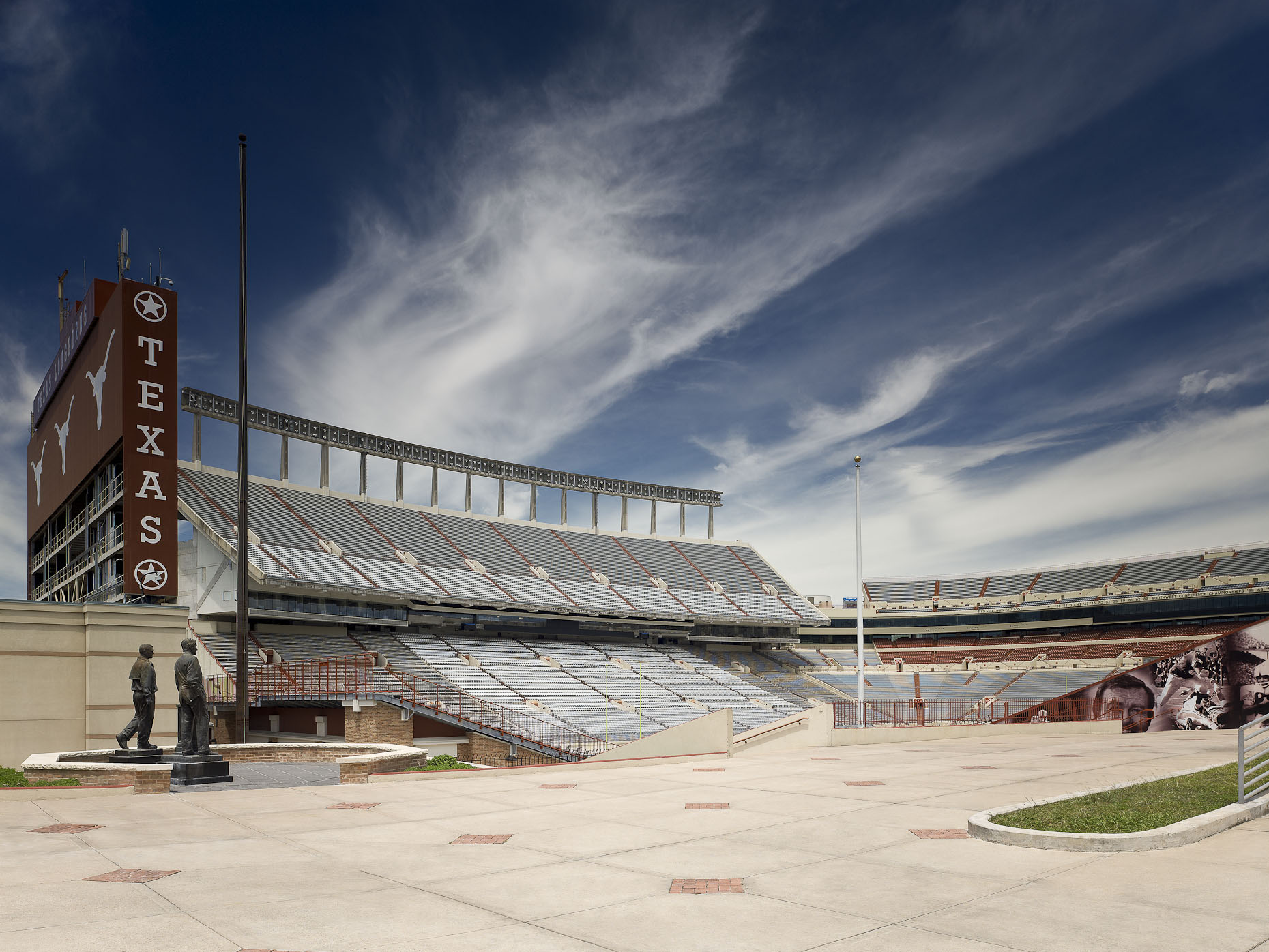 Darrel K Royal Memorial Stadium at the University of Texas at Austin | HEERY