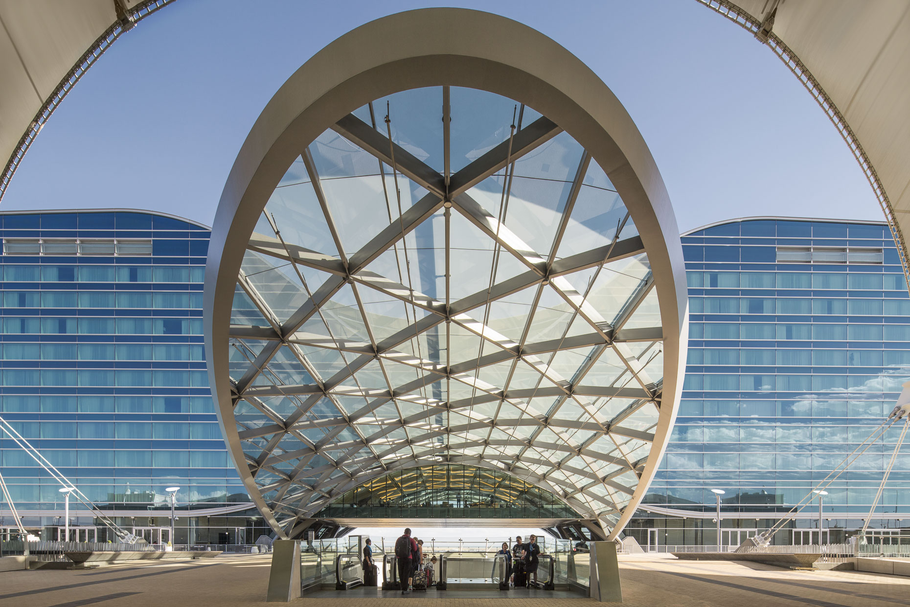 Westin Denver International Airport by HNTB photographed by Brad Feinknopf based in Columbus, Ohio