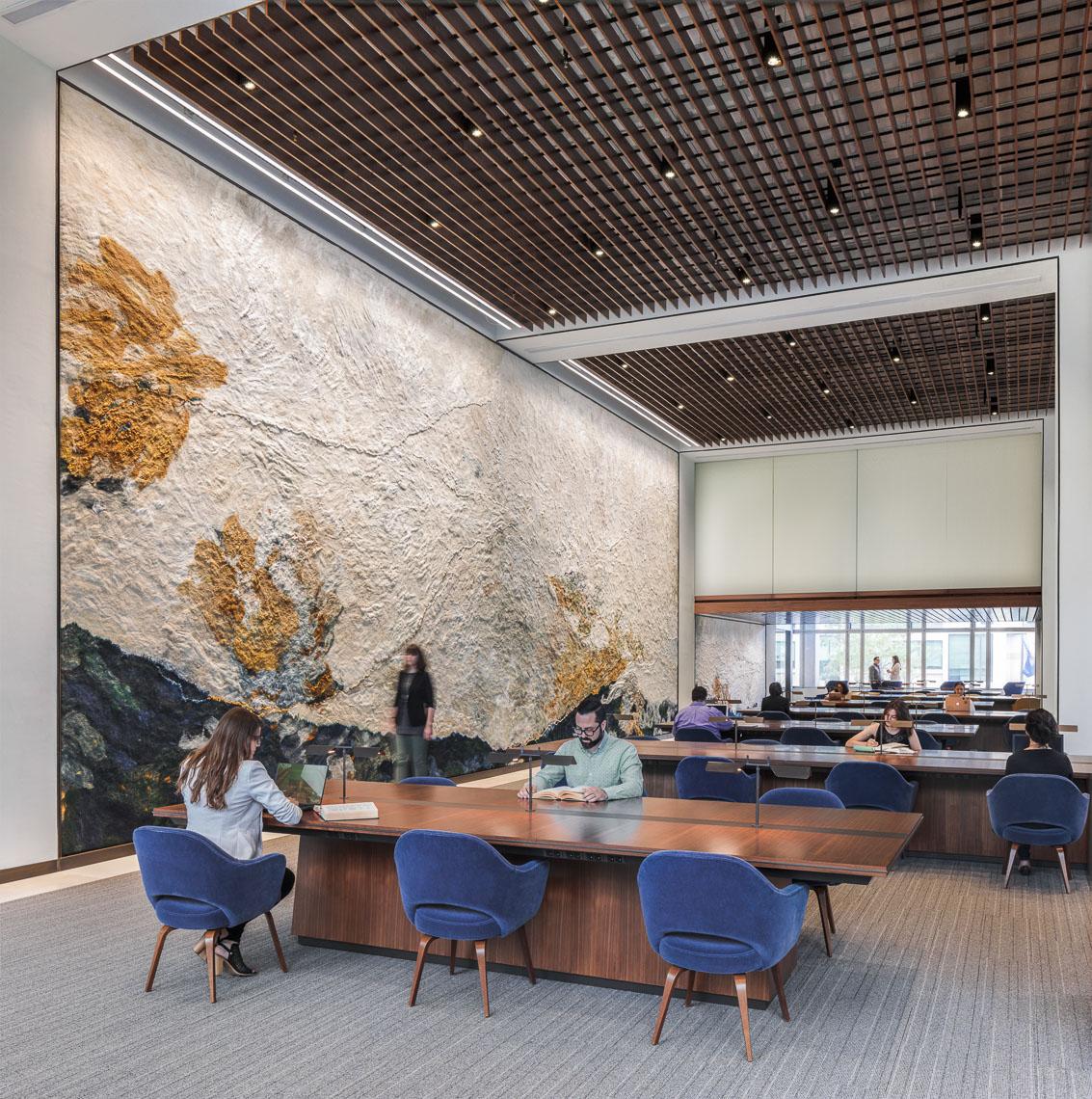 UPenn Moelis Family Grand Reading Room by Gensler photographed by Brad Feinknopf based in Columbus, Ohio
