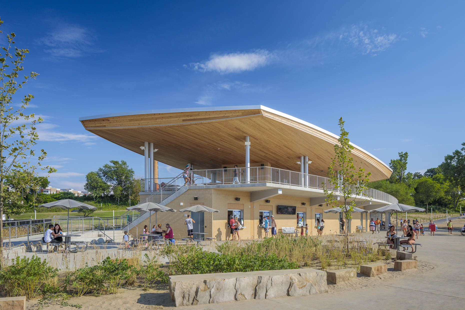 Edgewater Park Beach House by Bialosky Cleveland photographed by Brad Feinknopf based in Columbus, Ohio