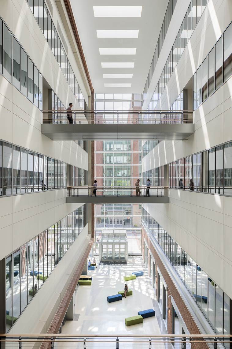University of Maryland - Baltimore HSF III by HOK photographed by Brad Feinknopf based in Columbus, Ohio