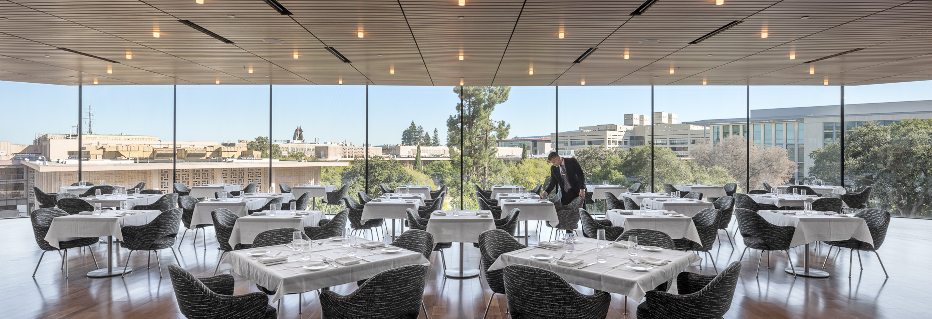 Stanford University Dining Services by Rafael Viñoly Architects photographed by Brad Feinknopf based in Columbus, Ohio