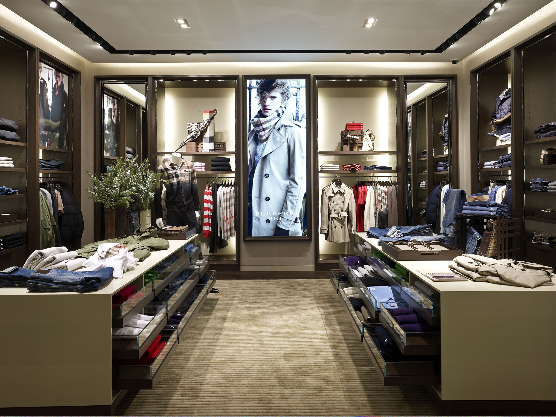 Burberry at Easton Town Center photographed by Brad Feinknopf based in Columbus, Ohio