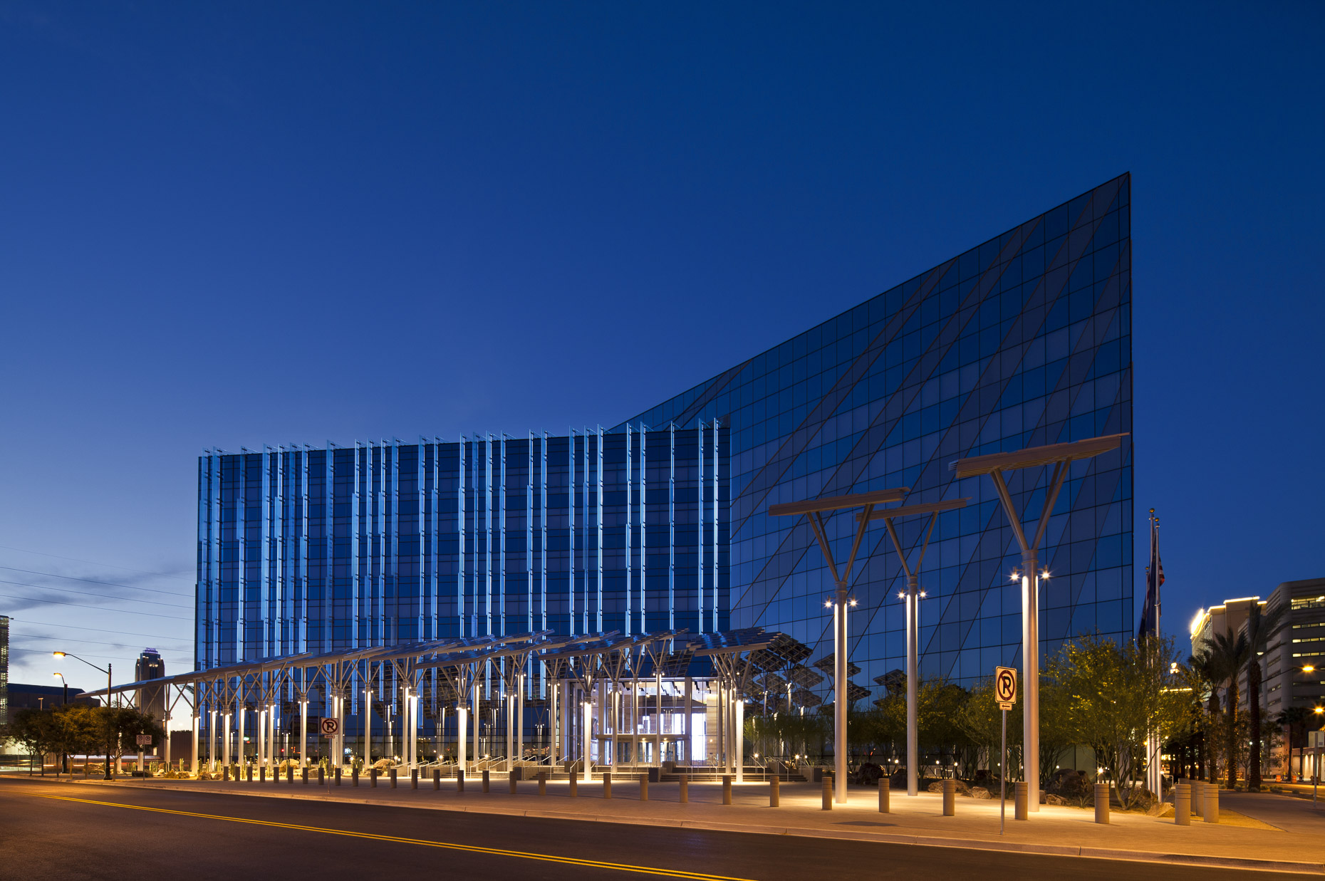 Las Vegas City Hall by Elkus Manfredi Architects photographed by Brad Feinknopf based in Columbus, Ohio