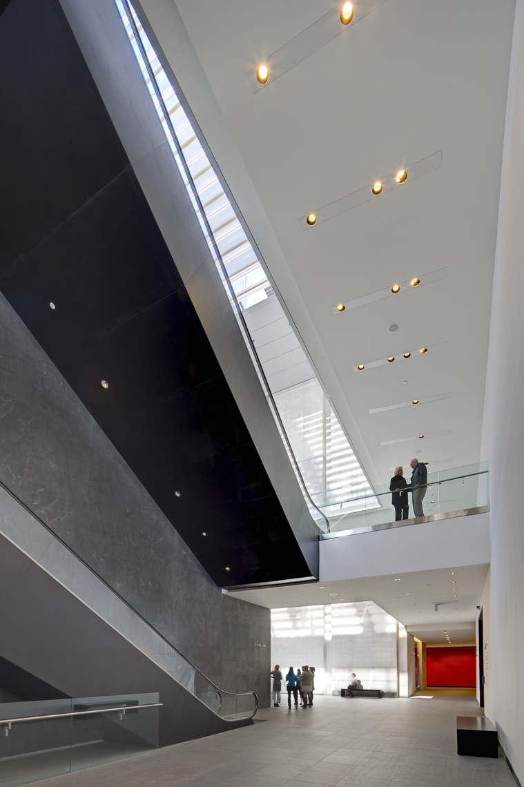 CMA Atrium by Rafael VIñoly Architects photographed by Brad Feinknopf based in Columbus, Ohio